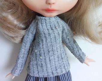 Gray blouse with sequins, sparkly and adorable, for pullip blythe azone momoko obitsu and similar dolls