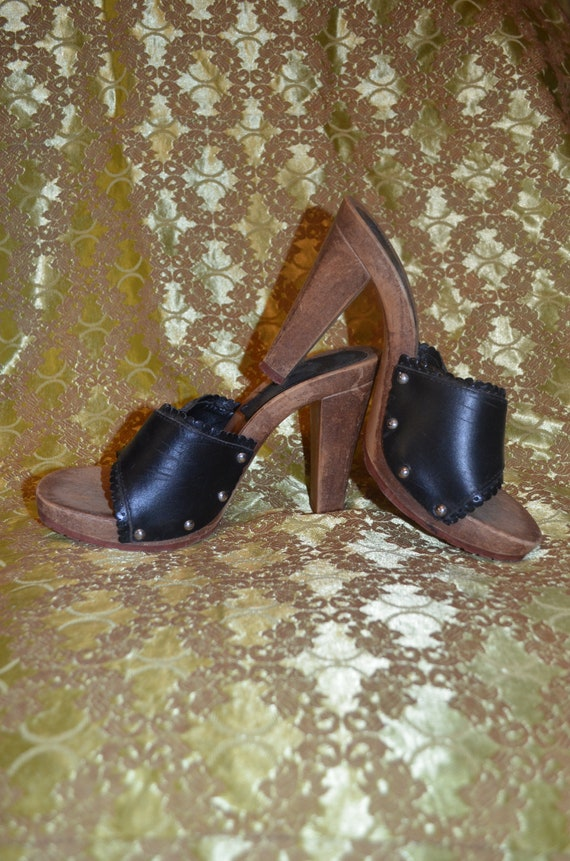 Genuine 60s or 70s chunky heel shoes size 5 - image 1