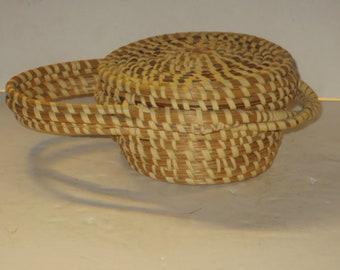 Gullah Folk Art Sweet Grass Basket Purse with Attached Lid Folk Art Charleston