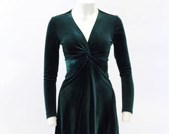 Green dress, velvet dress, christmas dress, cocktail dress, party dress, evening dress, midi dress.