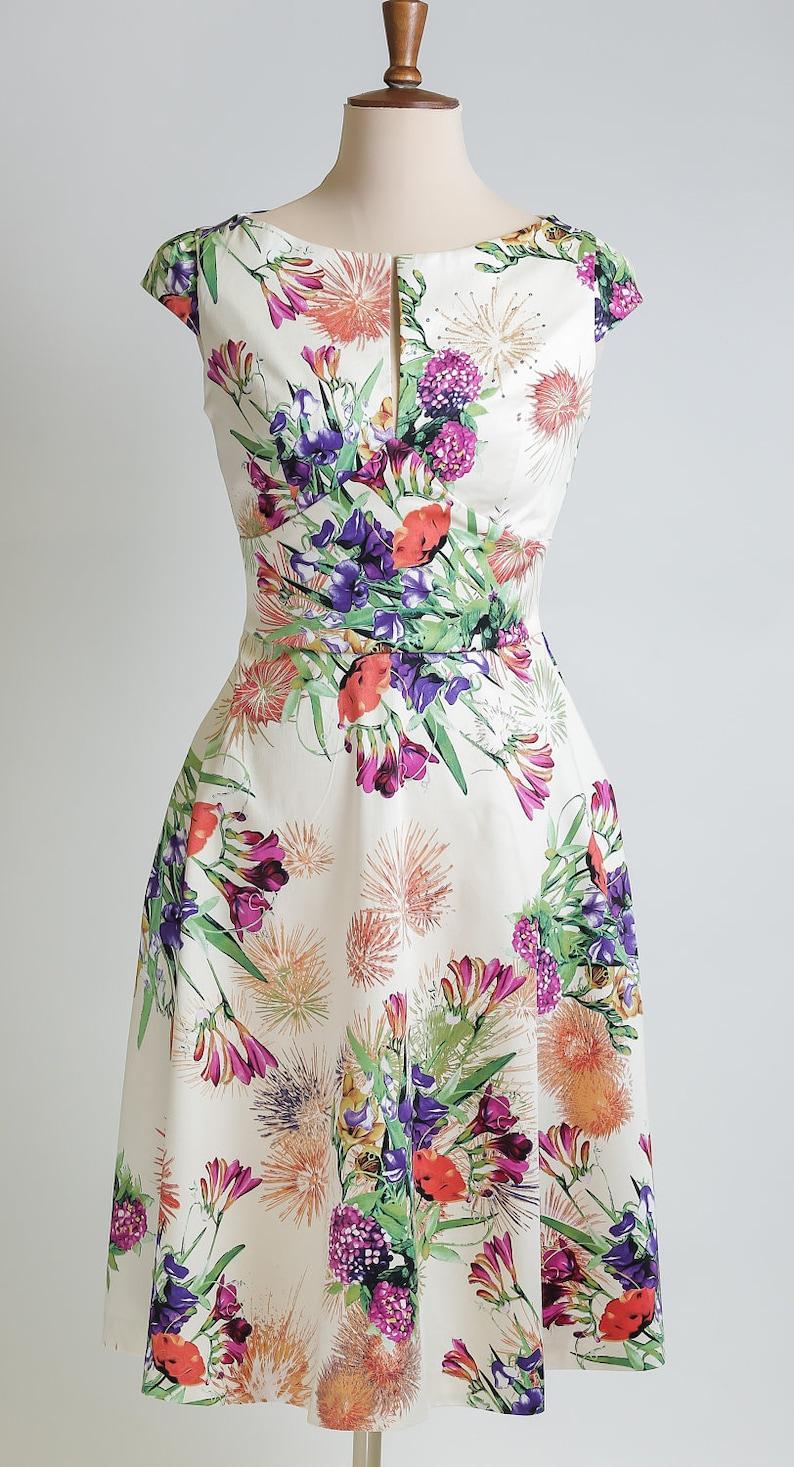 Summer dress floral dress made-to-measure dress mid-length image 0