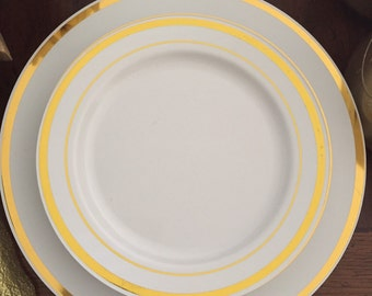 : white and gold dinnerware - pezcame.com