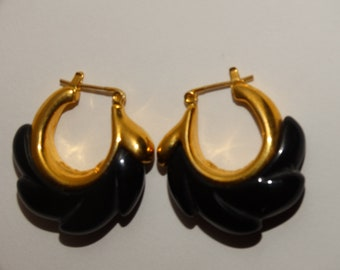 Vintage Napier Clip On Earrings Gold Toned Sculptured Drop With White Enamel Used