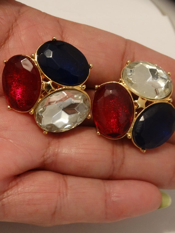 TRIFARI Clip On Earrings. - image 9