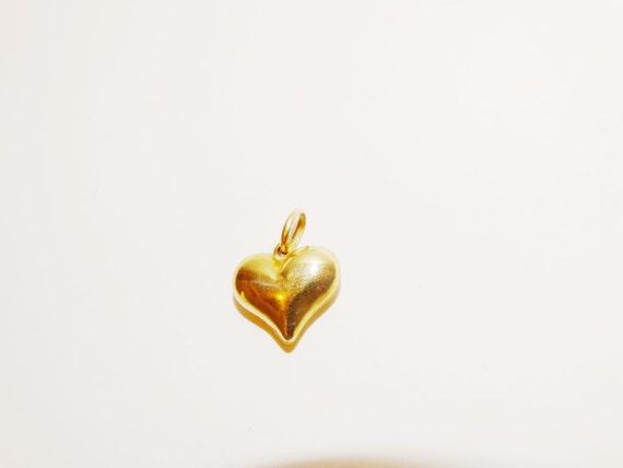 14k Puffed Heart vintage Pendant.