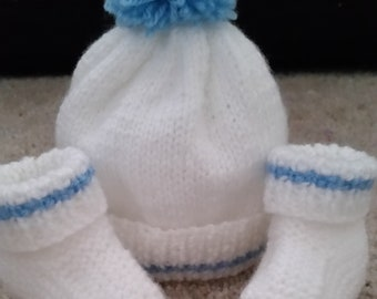 438227f45 Hat and booties set | Etsy