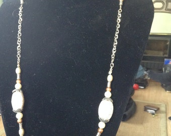 Necklace Beige n browns beads and chain