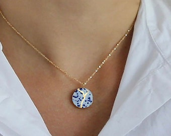 Kintsugi pendant necklace in gold on 14k gold filled chain