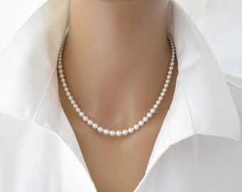 Classic pearl necklace Simple graduated pearl Bridesmaid gift Pearl bridal necklace Vintage style pearl jewelry Necklace for women