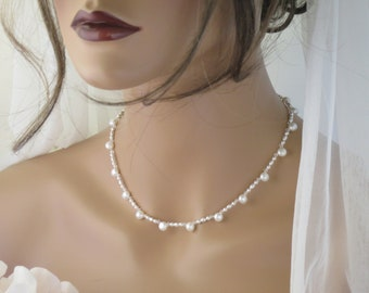 Freshwater pearl necklace Simple bridal necklace Pearl wedding necklace Pearl and crystal collar necklace Vintage style Jewelry for brides