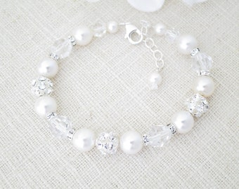 Pearl bracelet wedding Crystal bridal bracelet Pearl and rhinestone jewelry Silver beaded bracelet Wedding gift for bride Mother of Bride