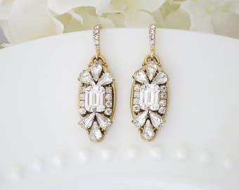 Art Deco earrings Gold bridal earrings Emerald cut Crystal dangle earrings Rhinestone teardrop earrings Wedding jewelry Earrings for bride