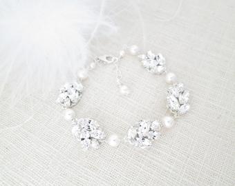 Crystal leaf bracelet Pearl wedding jewelry for brides Leaf bridal bracelet Rhinestone and pearl wedding bracelet Silver bridal jewelry