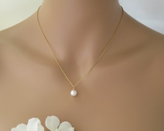 Dainty backdrop necklace Pearl pendant necklace Simple gold chain necklace Bridesmaid gift Minimalist jewelry Classic bridal necklace