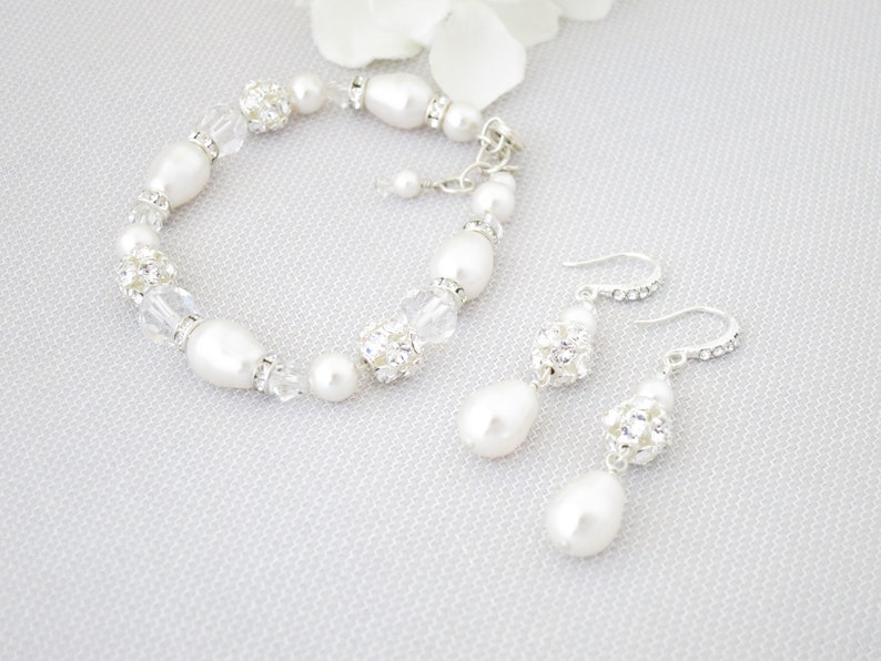 Swarovski pearl jewelry set-White pearl teardrop bracelet and image 0