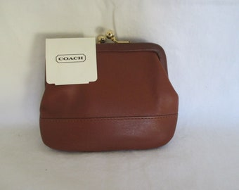COACH Vintage Tan Leather Kiss Lock Coin Purse - New w Tags - Mint Condition aace974de0