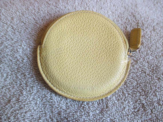 Vintage Coach Round Yellow Leather Zip Coin Purse