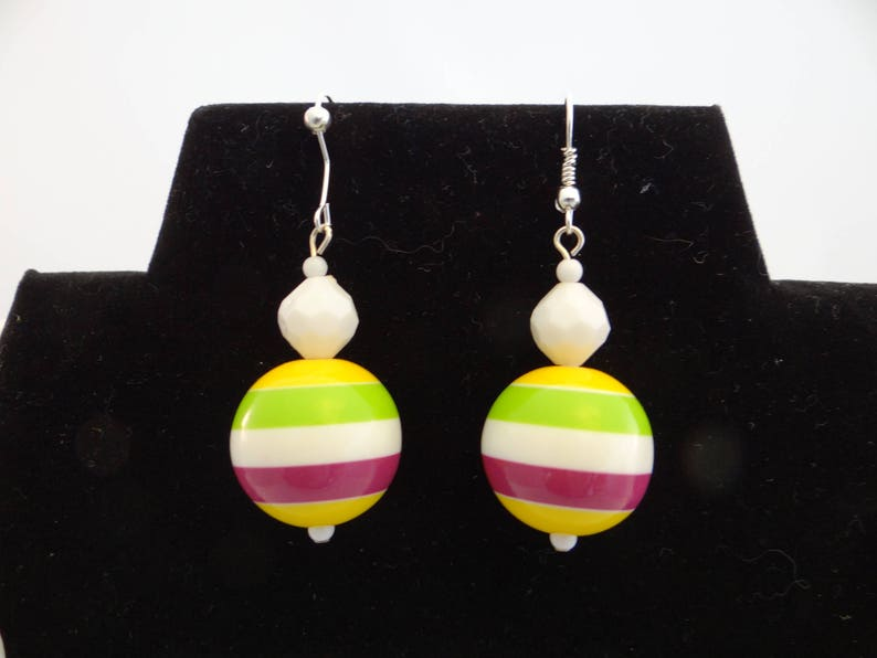 Retro white plastic up-cycled beaded necklace with chunky striped focal beads with matching earrings