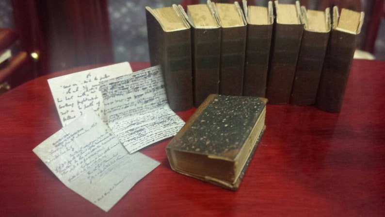 1:12 SCALE MINIATURE BOOK THE PICKWICK PAPERS CHARLES DICKENS