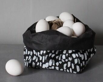 Sac en papier lavable noir et blanc, panier de rangement papier, bin, motif abstrait imprimé, animal fourrure imprimé, motif de neige, décor à la maison, jardinière