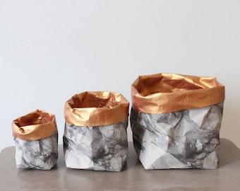 Sac en papier design, papier lavable, panier de rangement, corbeille à papier, sac en papier, monochrome, marbre gris, décor à la maison, rangement moderne en marbre