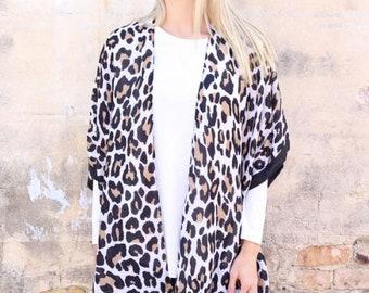 LadiesLeopard Print Kimono