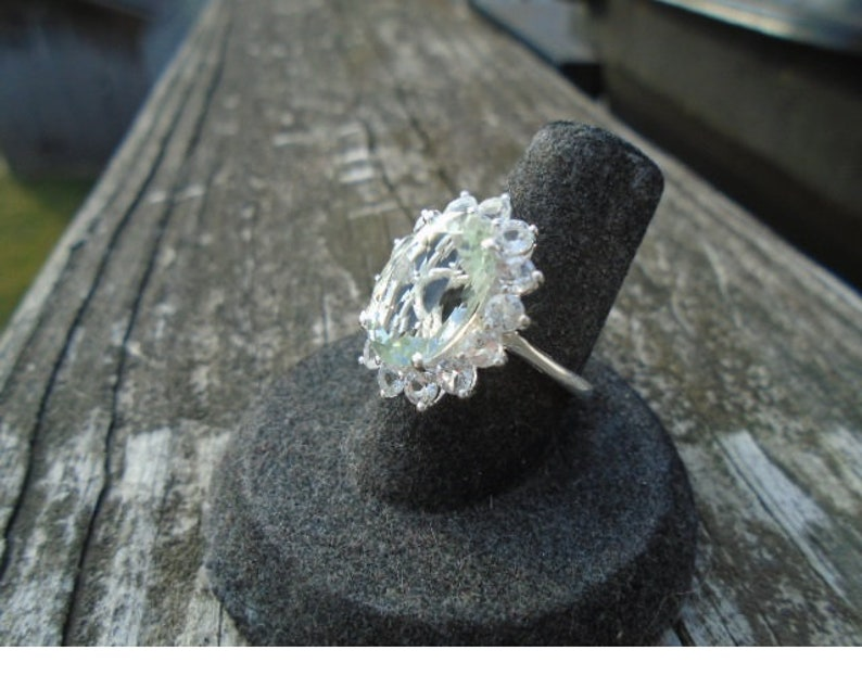Natural 12 ct Green Amethyst /& White Topaz Ring Size 6
