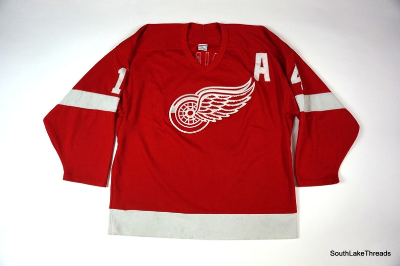 info for adbe7 2fa6a Men's NHL Detroit Red Wings Jersey CCM Brendan Shanahan #14 Red Sewn Sz  Large
