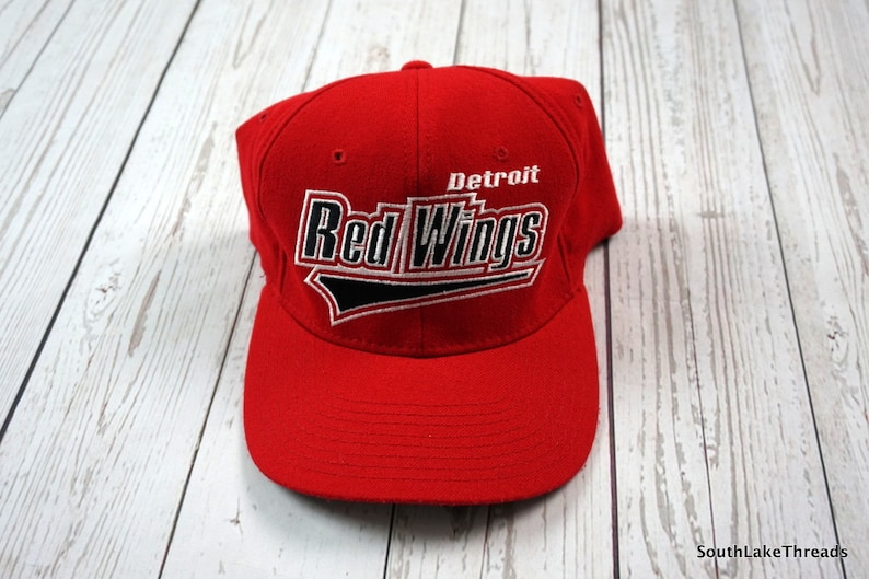 0bf6873bf6c Vintage 90s Detroit Red Wings Hat Starter Flex Fit Hat Cap