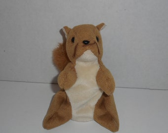 7d1d9529611 Nuts the Squirrel Beanie Baby 1996 TY