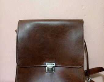 Messenger Bags  Fake Leather pannier   Work bag   Retro Bag   Brown bag   80 s bag   Vintage Bag  Fake Leather Bag   80s Bag   Like New