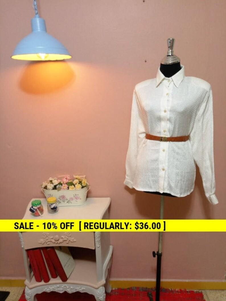 White Blouse.vintage 1950 Blouse.White vintage Blouse.Elegant Blouse.White Shimmer Vintage Blouse For Women 1950s Free Shipping.Size OS