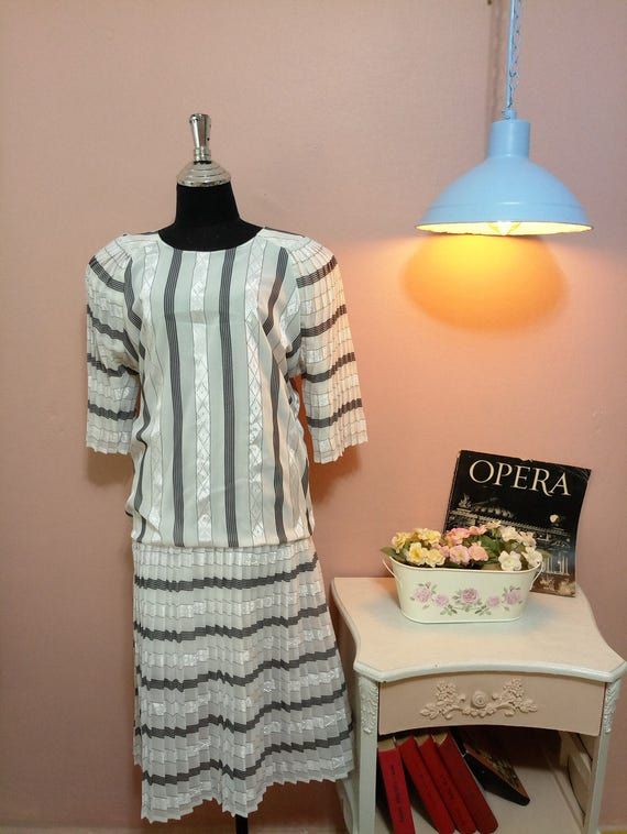 Black and White Pleated Vintage Dress For Women 19