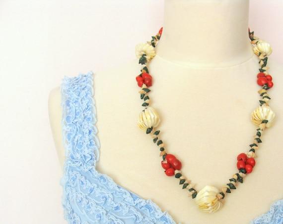 Beautiful 30's / 40's Sea Shells Handmade Necklace