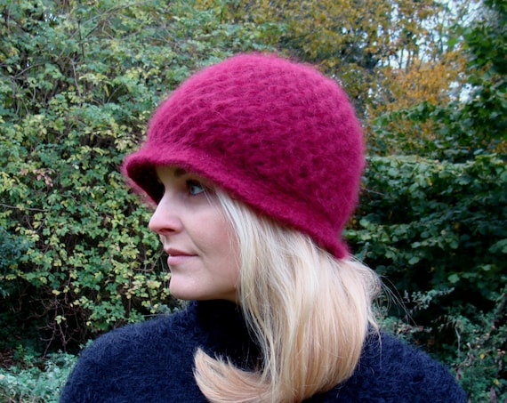 Warm & Cozy 60's / 70's Wine Coloured Winter Hat / Wool Angora Hand Knitted Hat / Two Layered Hat