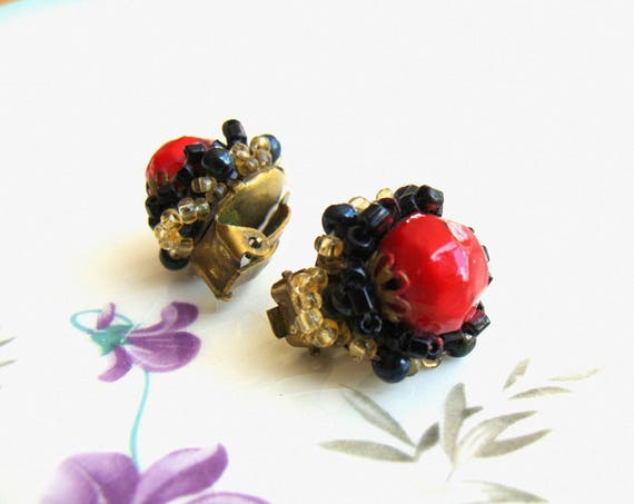 Pair of Vintage  40's / 50's  Beaded Clip on Earrings Black & Red