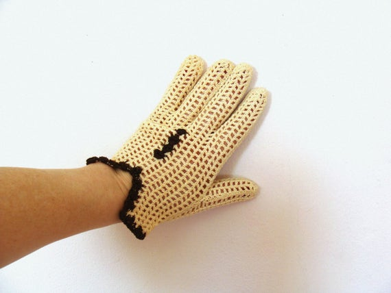 Beautiful Vintage Handmade French Crocheted Beige Brown Gloves / Small Hand Gloves / Retro Gloves