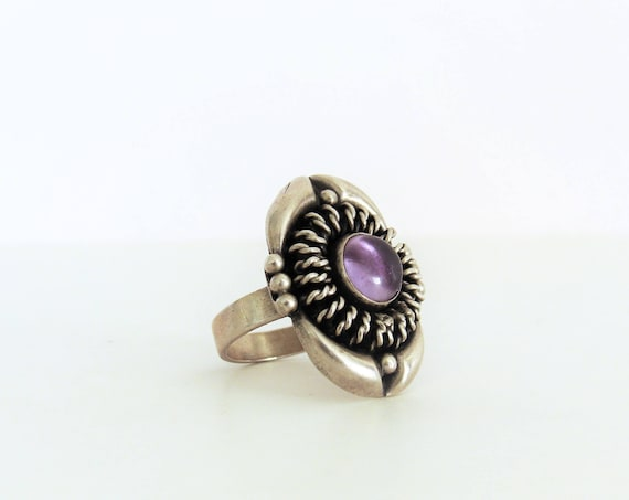 Sterling Large Silver Ring / Purple Stone Ring / Vintage Jewelry Gothic Boho Bohemian / Size 8