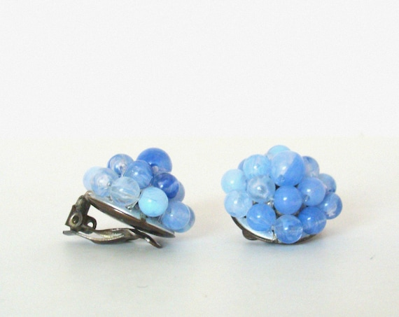 Vintage Mid-Century Beaded Blue Cluster Earrings / Clips