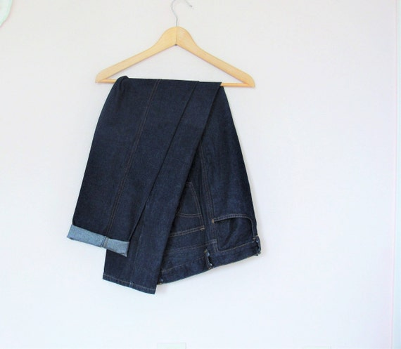A Pair of Vintage  Dark Blue Denim High Waisted Jeans / Front Zip / UK 8