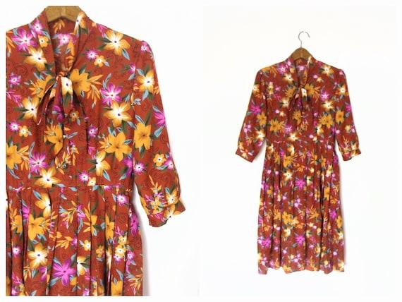 Vintage Rust Coloured Floral Print Pleated Dress /