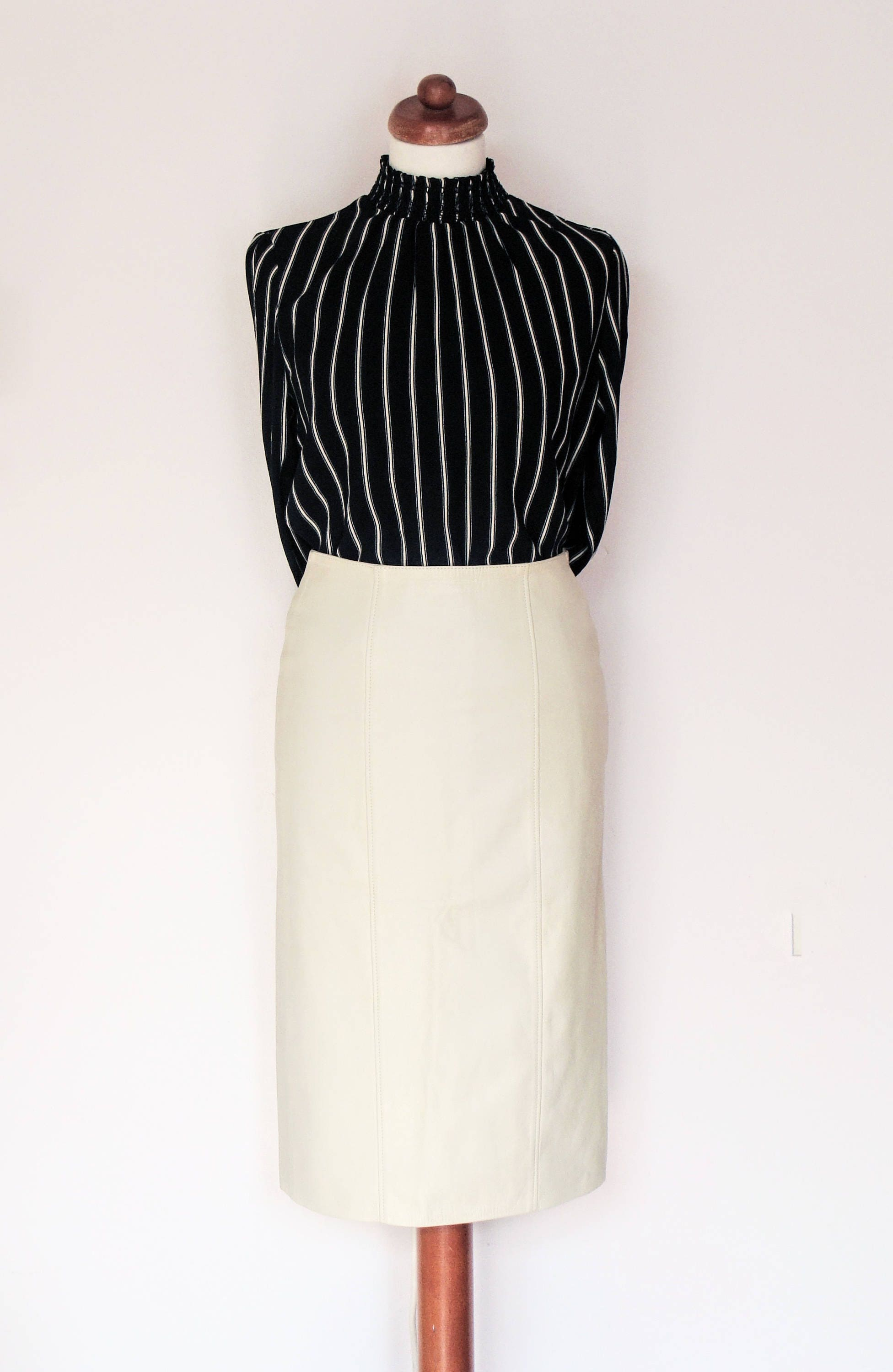 d46c449499 Vintage Italian Cream Leather Pencil Skirt / Vera Pelle / Size UK 8-10