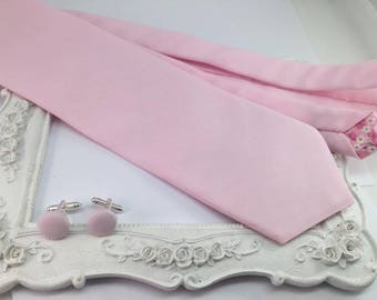 Pink solid tie-pale man