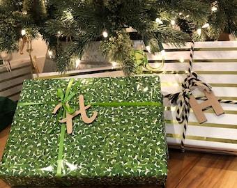 Monogram Tag, Modern Ornament, Acrylic Ornament, Green Initial Ornament, Modern Christmas, Monogram Gift, Wine Tag, Gift Tag