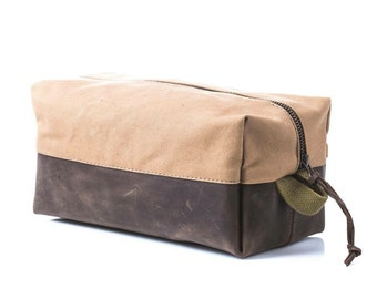Dopp kit made of military Parachute kit bag Pouch Toiletry bag Travel  upcycled pouch Mens gift Groomsmen gift idea FREE personalization b187a899b2