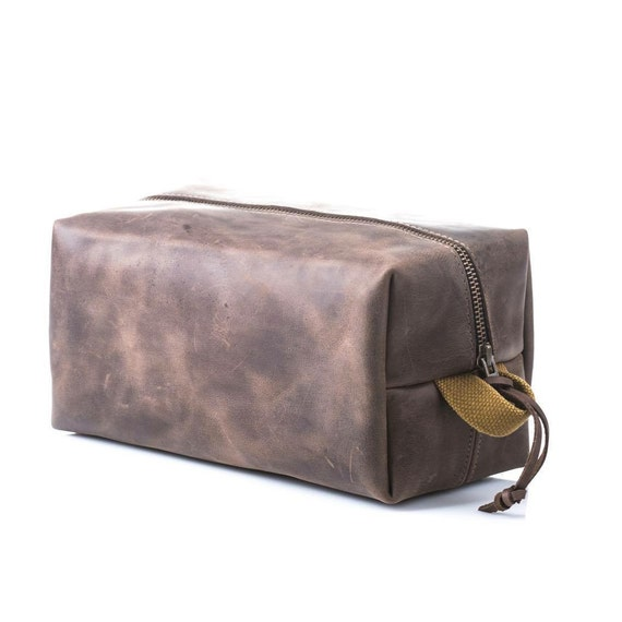 Leather dopp kit Leather pouch Toiletry bag Necessairies bag Toiletries and amenities kit Canvas pouch Birthday gift Groomsmen gift
