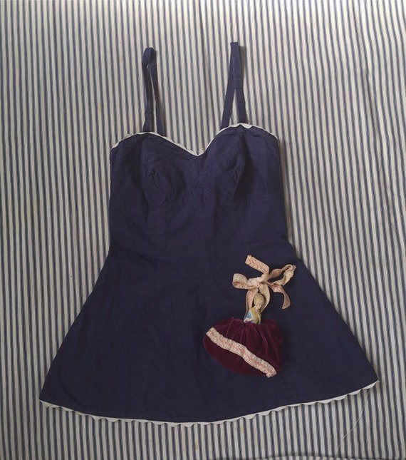 Cute Vintage 1940s/Early 1950s Bustier Navy Blue B