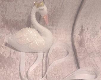 Bow holder, swan bow holder, swan decor, princess decor, hair clip holder, nursery, swans, girls room, wall hanging, princess, swan gifts