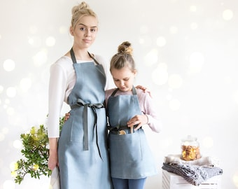 Mommy and me aprons made of blue linen with adjustable straps, Kids apron, Full aprons, Thanksgiving apron