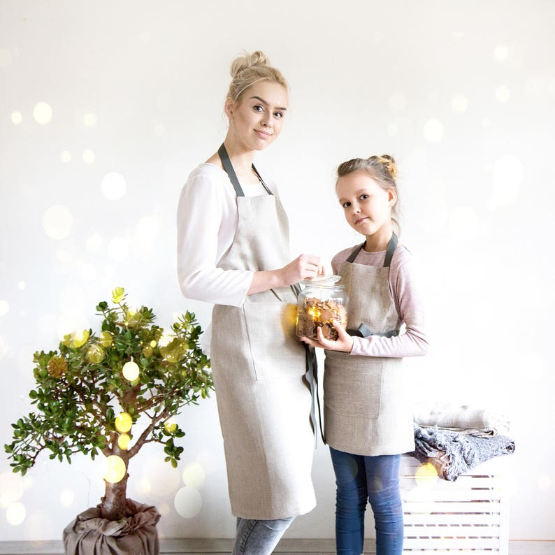 Cooking aprons set for Mother and Daughter made of Natural image 0